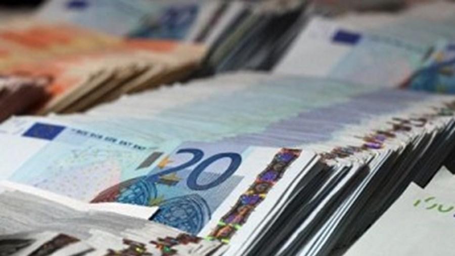 dívida, spread, emissão, taxa, juro, Estado
