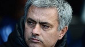 """Ibrahimovic diz que """"Mourinho sabe o que fazer para ganhar"""""""