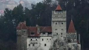 Vacinação Covid-19 gratuita no castelo do Drácula