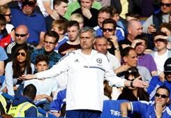 1º lugar: José Mourinho, treinador do Chelsea, recebe 10 milhões de euros por época