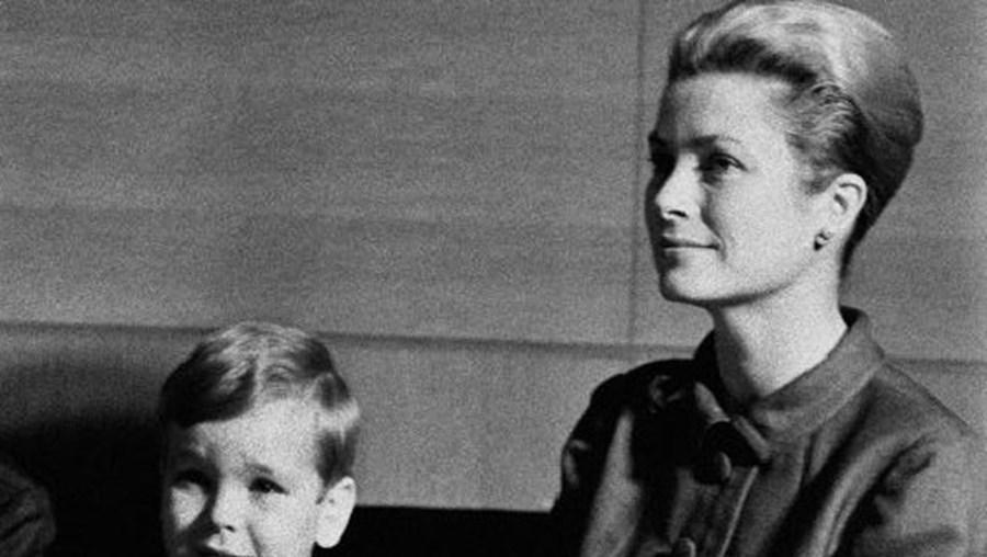 Com o filho Alberto, na primeira visita, em 1964