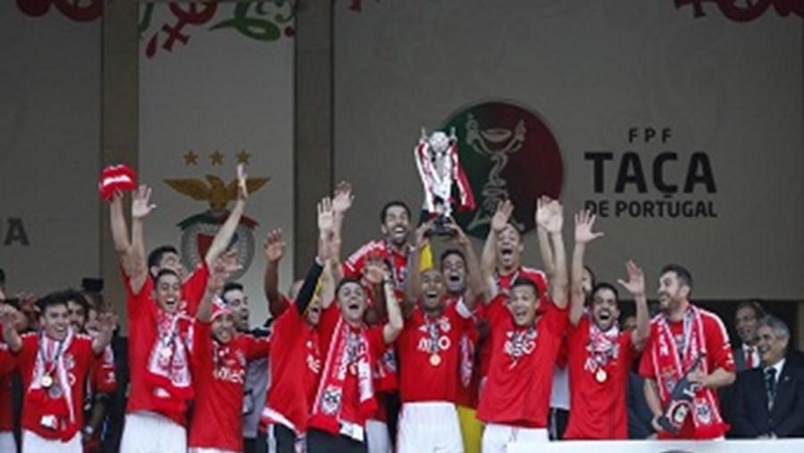 Luisão ergueu a 25.ª Taça de Portugal do palmarés do Benfica