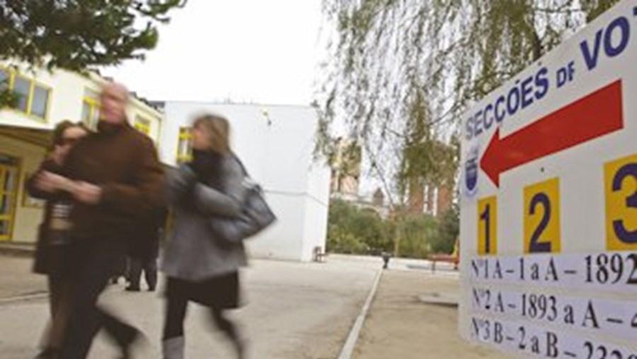 Portugueses vão às urnas no domingo para eleger deputados europeus