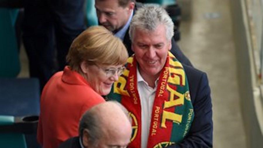 Foi o ministro da Presidência, Luís Marques Guedes, quem assegurou a representação de Portugal no primeiro jogo