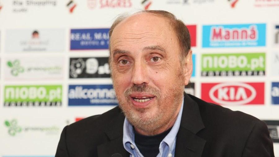 Manuel Cajuda, treinador do Tianjin Songjiang, clube da segunda divisão chinesa