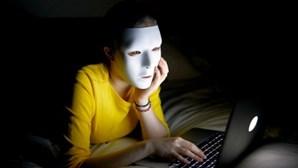 Hackers russos roubam 1,2 mil milhões de palavras-passe