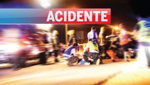 Três feridos em colisão frontal