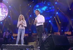 Tony Carreira canta com a filha Sara