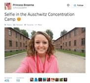 9 Cuidado a escolher o lugar onde tira a 'selfie'. Autorretratos em locais trágicos ou memoriais podem parecer ofensivos para as vítimas