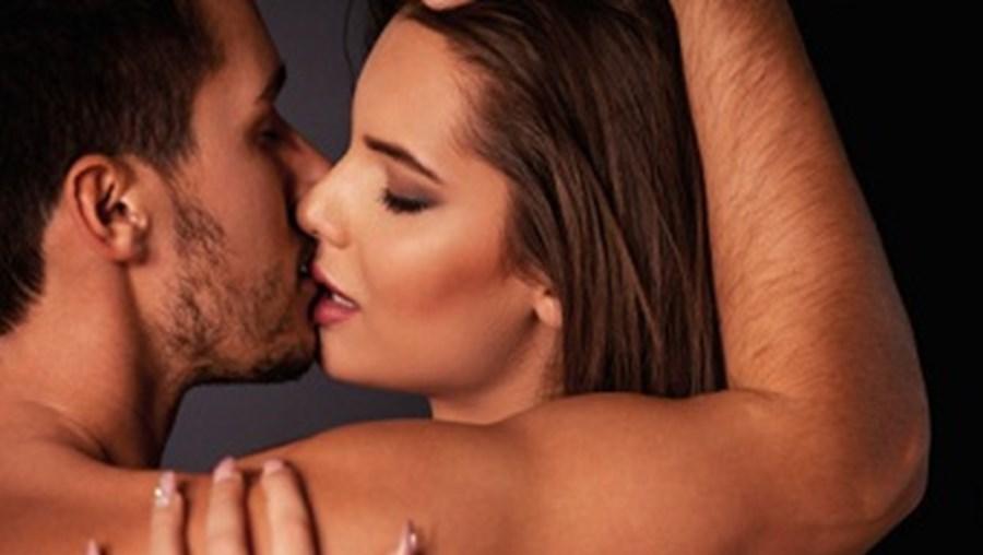 Mulheres procuram mais paixão nos relacionamentos extraconjugais