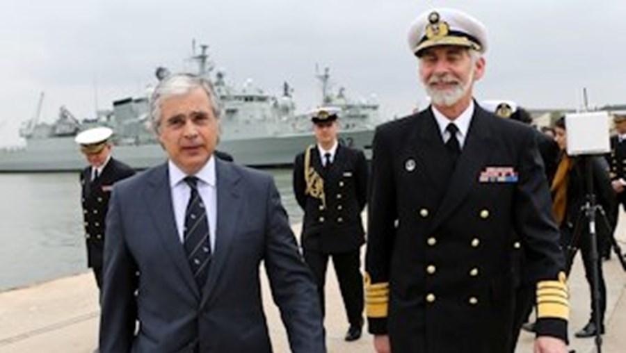 O ministro da Defesa, Aguiar-Branco, e o chefe da Armada, almirante Maceira Fragoso