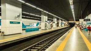 Incêndio deflagra no metro do Rio de Janeiro em hora de ponta e causa pânico nos passageiros