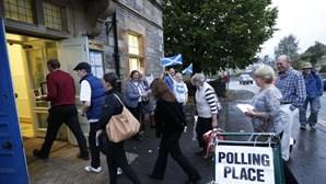 Mesas de voto abriram na Escócia