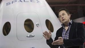 Cápsula 'Dragon' lançada para Estação Espacial Internacional