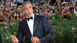 George Clooney filma escândalo