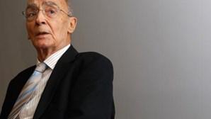 Romance inédito de José Saramago chega hoje às livrarias