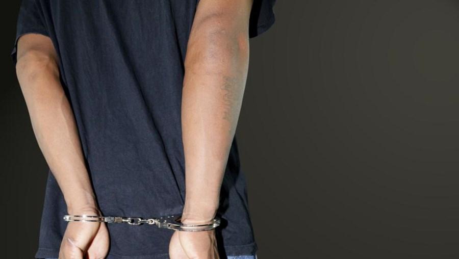detido, algemas, preso