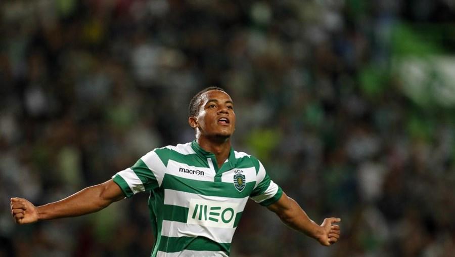 Sporting vai tentar renovar com Carrillo, mas terá de fazer um importante esforço financeiro para convencer o peruano