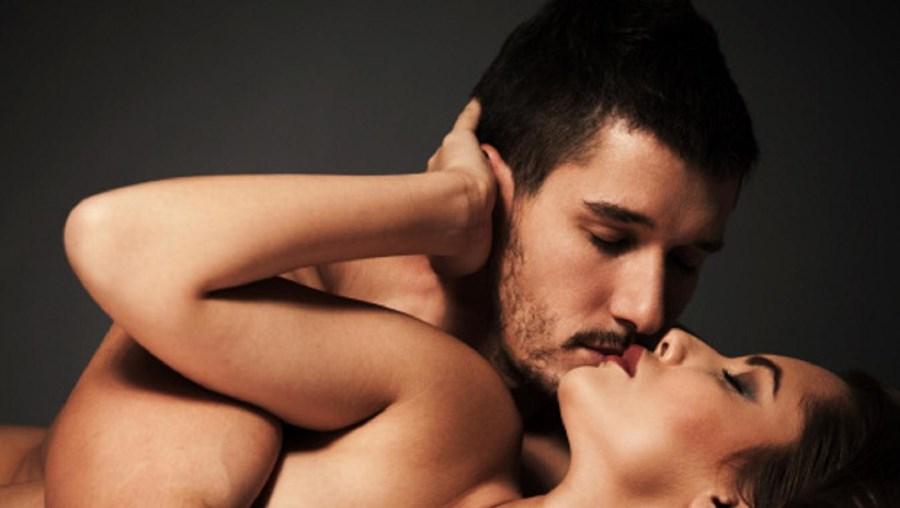 A dedicação ao trabalho reduz frequência de relações sexuais nos casais