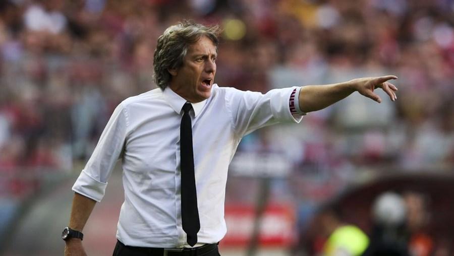 Jorge Jesus mostrou-se satisfeito pela segunda parte do Benfica
