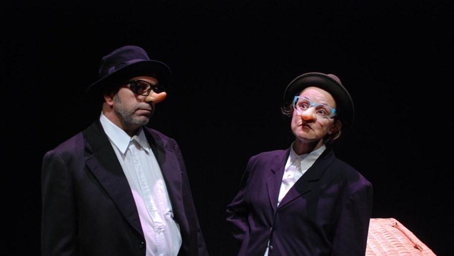 Os textos de Karl Valentin serviram a João de Mello Alvim para criar um espetáculo de teatro absurdo