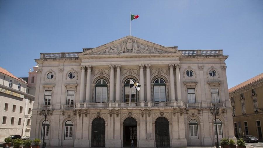 Edifício da Câmara Municipal vai mostrar cores da bandeira belga