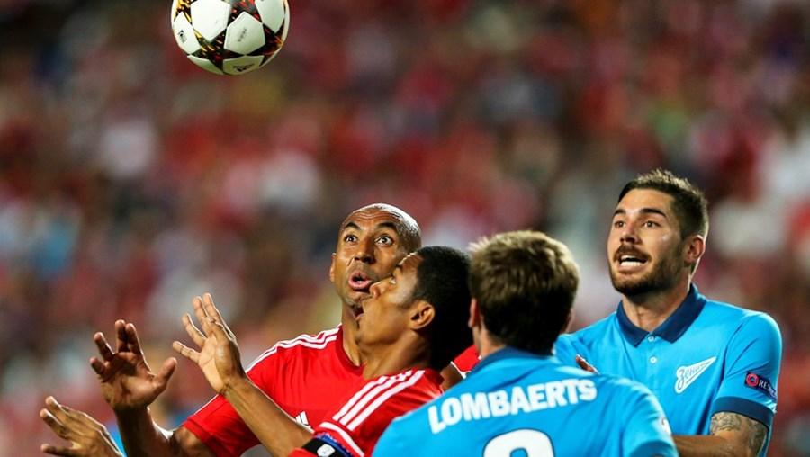 UEFA está a negociar direitos da Champions para três épocas
