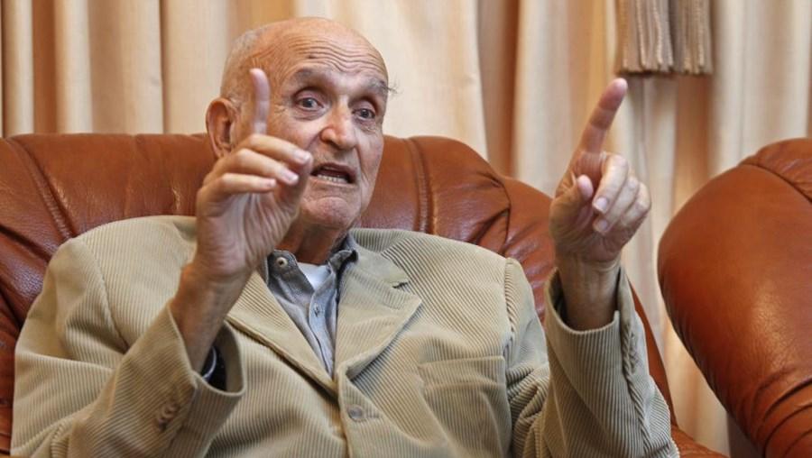 Alpoim Calvão morreu aos 77 anos