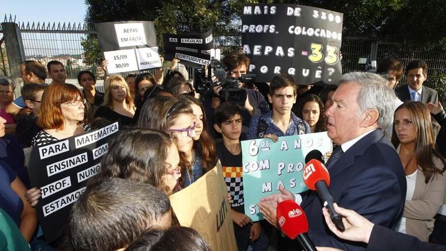 Associação de pais protesta contra a falta de professores na Escola EB 2,3 Professor Agostinho da Silva de Casal de Cambra