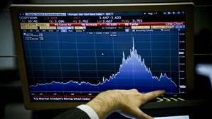 Investidores atentos a dados macroeconómicos