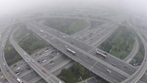 Deslizamento de terras na China mata 19 pessoas