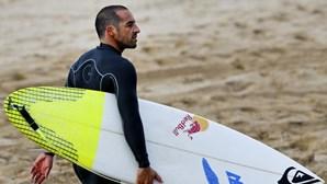 Surf em Peniche espera melhores ondas