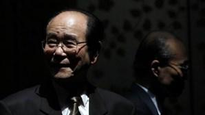 Presidente do parlamento norte-coreano visita África