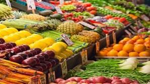 Comer fruta e legumes ajuda a ser mais feliz