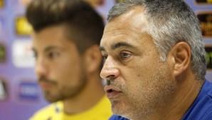 """Couceiro diz ser """"lamentável"""" arbitragem no jogo do Sporting"""
