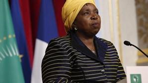 Ébola: Presidente da Comissão da UA visita países afetados