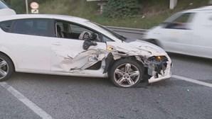 Dois acidentes com seis carros no IC 19