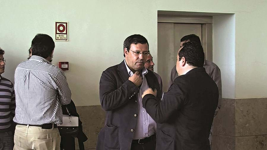Duarte Moreno era vereador com o pelouro da divisão urbanística quando aprovou a construção da moradia