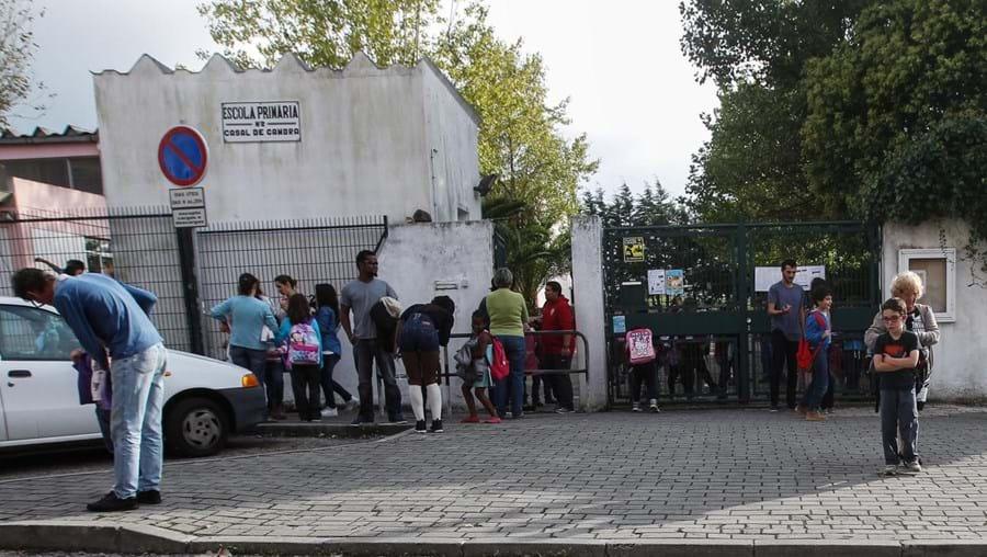 Agressão teve lugar em sala de aula da Escola de Casal de Cambra