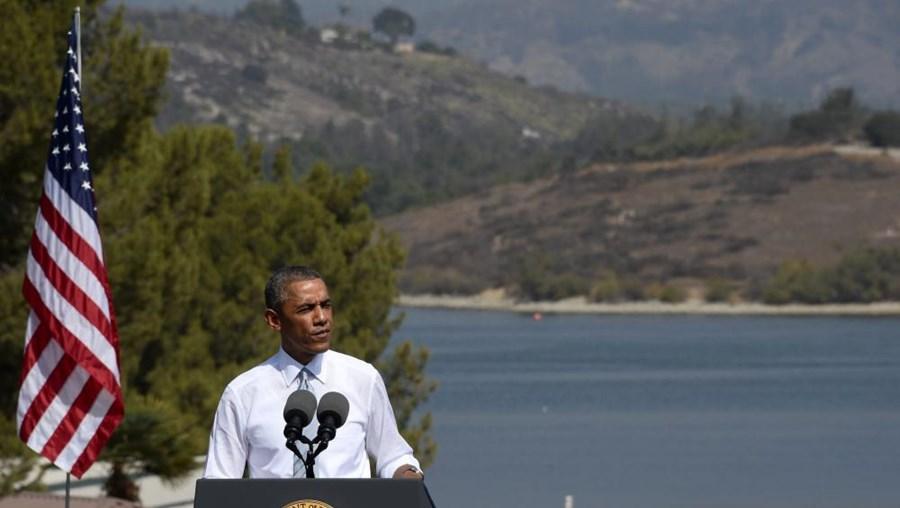 Barack Obama discursa sobre os criadores dos Estados Unidos numa visita à Califórnia.