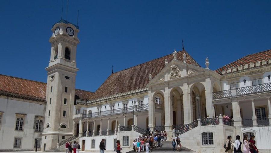 A Universidade de Coimbra é a instituição que mais recebe estes estudantes, com 879 alunos