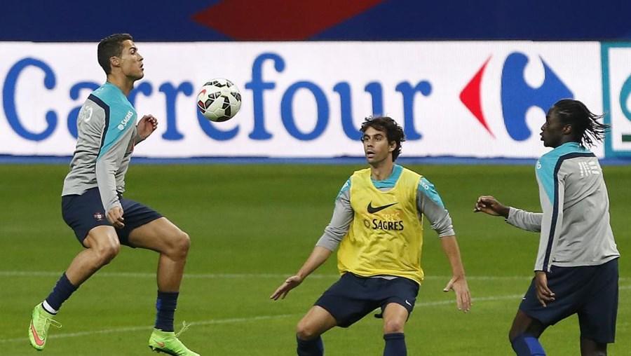 Treino da seleção em Paris, antes do encontro com a França