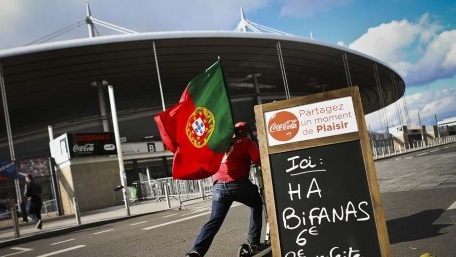 'Roulottes' apostam em comida portuguesa em dia de jogo