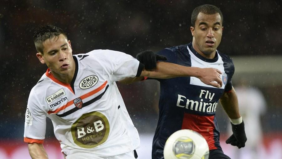 Raphael Guerreiro (esq.) é titular indiscutível no Lorient
