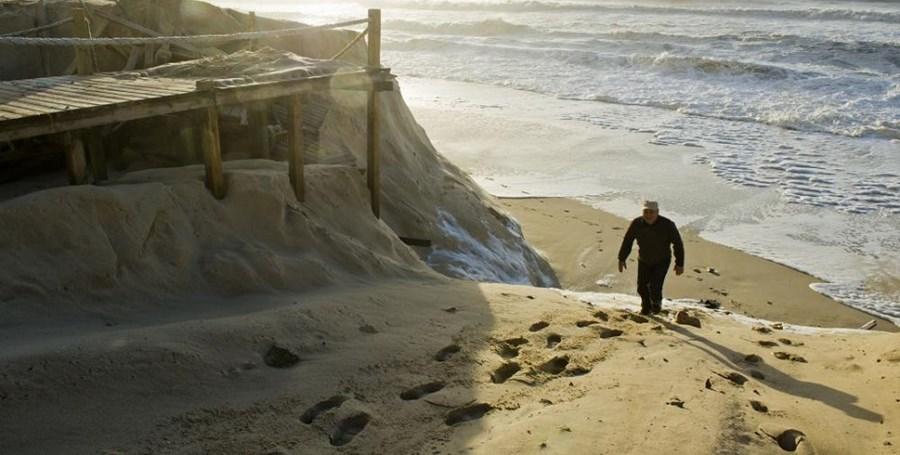 2º: Leiria vai contar com 32 graus de temperatura máxima (na imagem, a praia do Pedrógão, no distrito de Leiria)