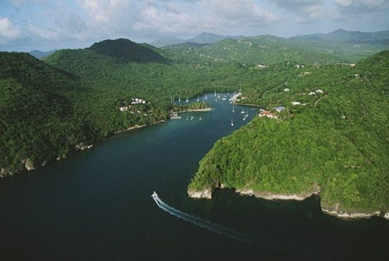 9º Santa Lucia (Antilhas)