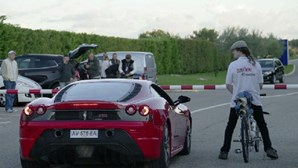 Bicicleta a 333 km/h ultrapassou Ferrari