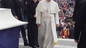 Papa Francisco inicia visita de três dias à Turquia