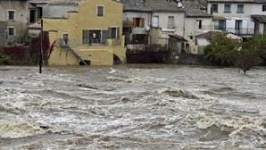 Chuvas provocam pelo menos cinco mortos no Sul de França