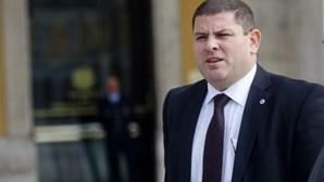 """Sinapol vê demissão com """"enorme preocupação"""""""